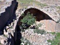 Tarihi Rabat Kalesi kaderine terk edildi