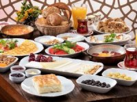 Saray Muhallebicisi kahvaltısında otantik tatlar