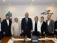 TÜROB: Atatürk Havalimanı faaliyetine devam etmeli