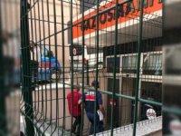 43 havalimanı işçisinden 24'ü tutuklandı