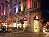 Simit Sarayı Londra'da 3. mağaza
