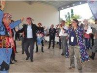 22 ülkenin büyükelçileri Aydın'da efelerle zeybek oynadı