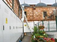 Mısır Çarşısı'nın duvarı elektrik panosu ile kaplandı