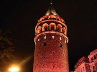 Galata Kulesi'nde'kadına şiddet' turuncusu