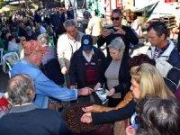 Midilli Adası Kestane Festivali ile şenlendi