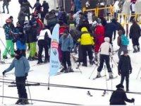 Kış turizminin göz bebeği Uludağ'da yer kalmadı