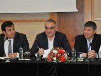 Bakan Ersoy: Turizm stratejisini fırsata çevirmeliyiz
