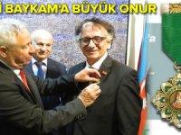 """Dünyaca ünlü sanatçı Bedri Baykam'a """"Vatan Evladı' nişanı verildi"""