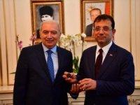 İBB Başkanı Ekrem İmamoğlu, mazbatayı ve mühürü aldı