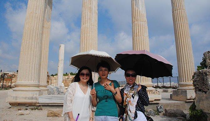-cinli-turistler,-.JPG
