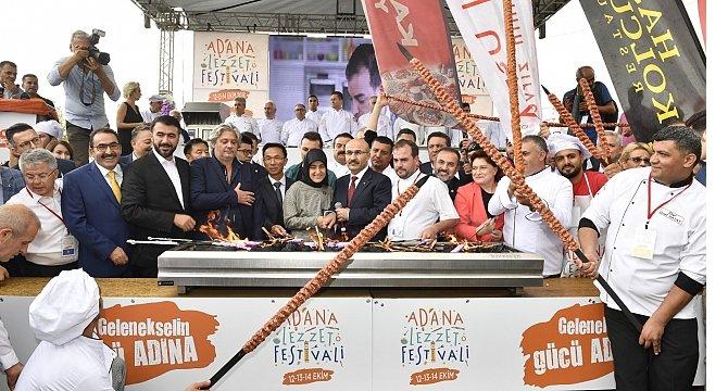 2.-adana-lezzet-festivali-.jpg