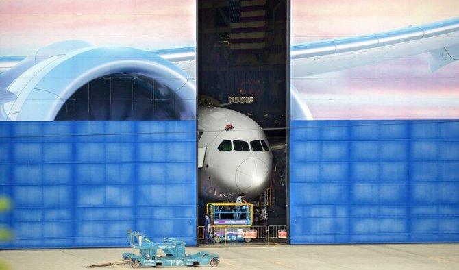 787-dreamliner-001.jpg