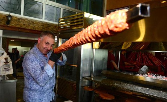 adana'nin-metrelik-boru-kebabi.jpg