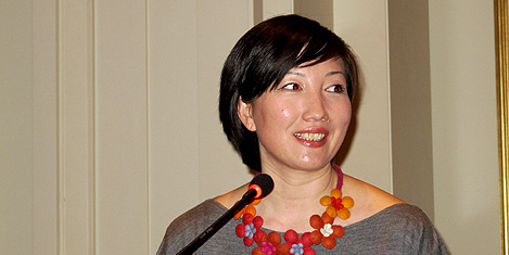 air-astana-karligash-omurbayeva2.20110410085645.jpg
