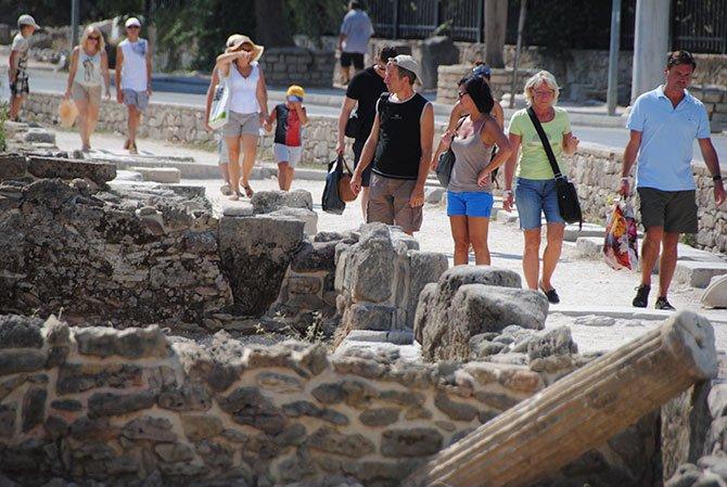 alman-emekli-turistler.jpg