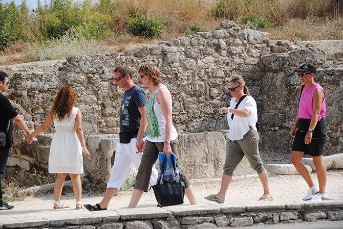 alman-emekli-turistlerle--001.jpg