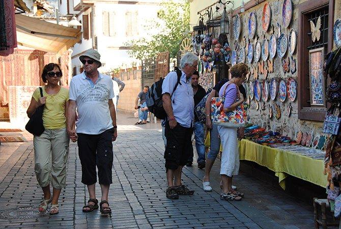 antalya-gelen-turistler,-003.jpg