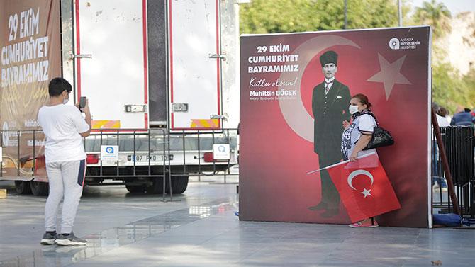 antalyada-97.-cumhuriyet-bayrami--005.jpg
