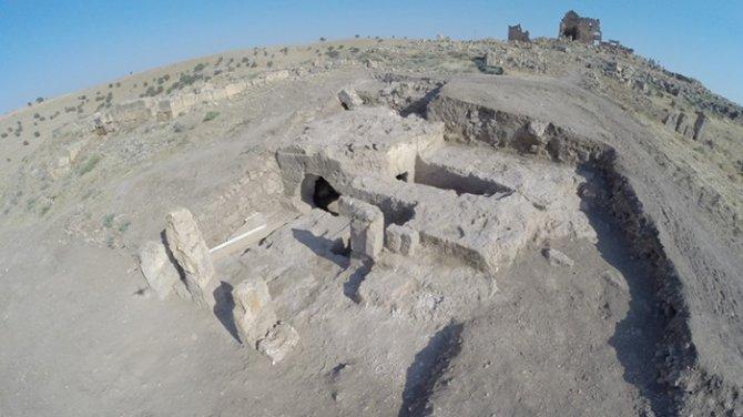 arkeoloji-bolumu-aytac-coskun.jpg