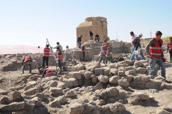 arkeolojik-kazi-002.jpg