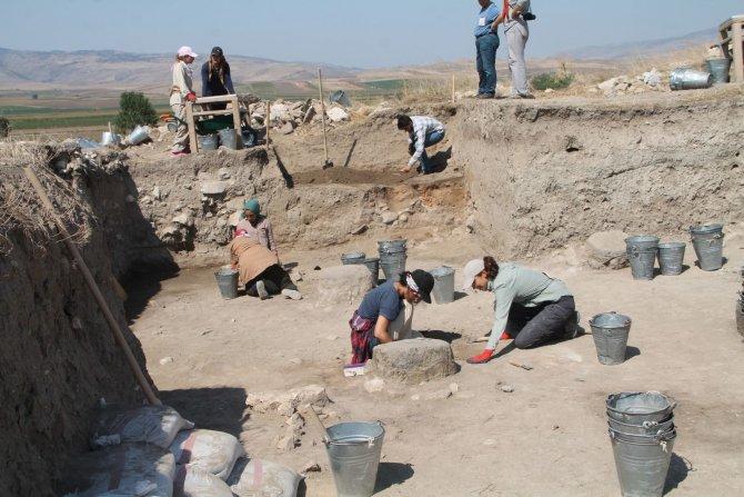 arkeolojik-oluz-hoyuk--001.jpg