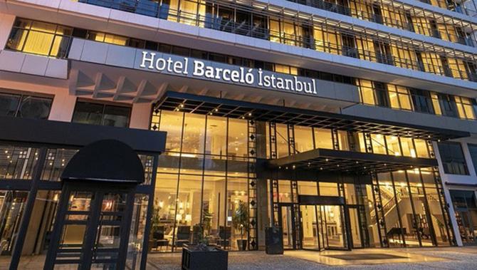 barceló-istanbul-hotel'de-bulunan-champs-sports-ba-001.jpg