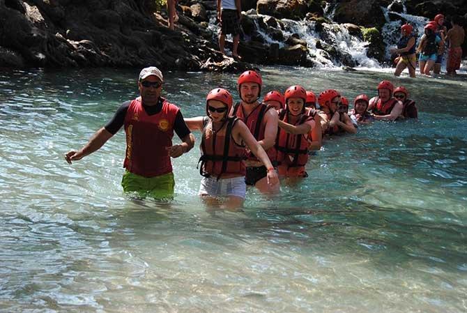beskonak-koprulu-kanyonda-rafting--002.jpg