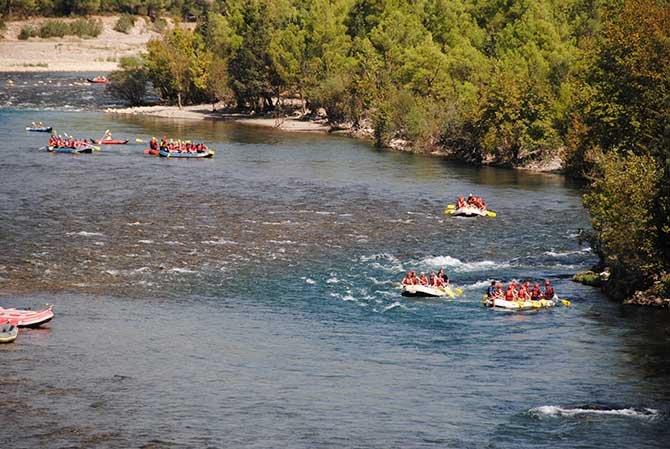 beskonak-koprulu-kanyonda-rafting--005.jpg