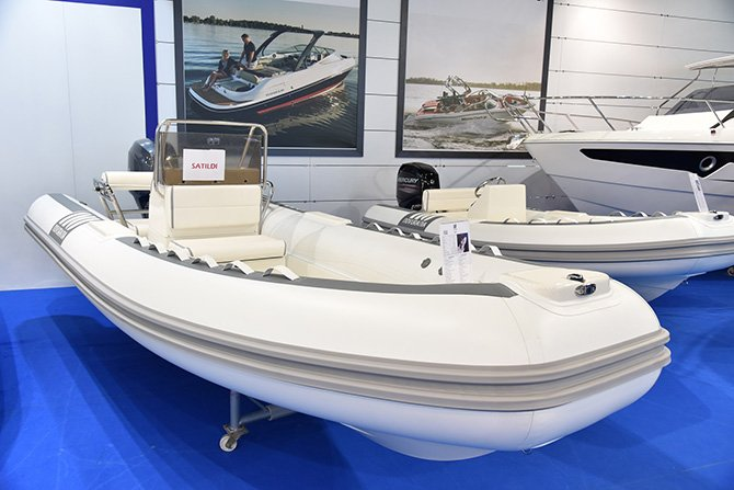 boat-show-004.jpg