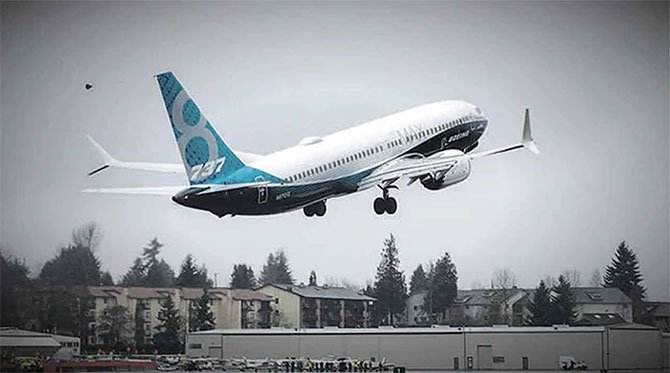 boeing'in-737-max-jetliner.jpg