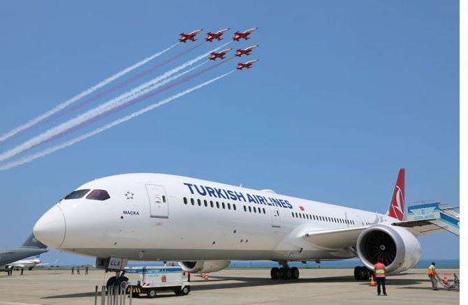 boeing-787-9-dreamliner-.jpg