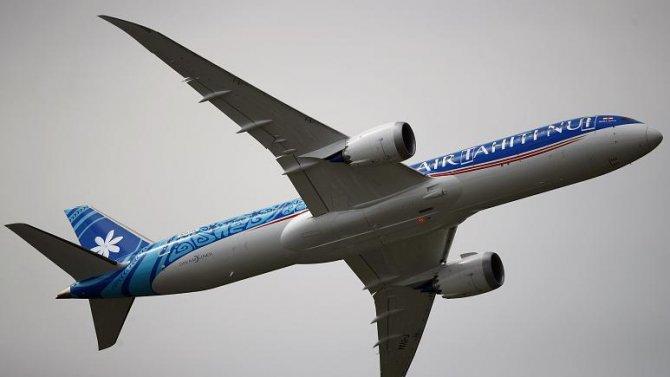 boeing-787-dreamliner-002.jpg