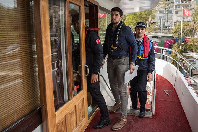 bogaz'daki-teknelere-nargile-001.jpg