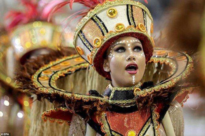 brezilya-samba-festivali--001.jpg
