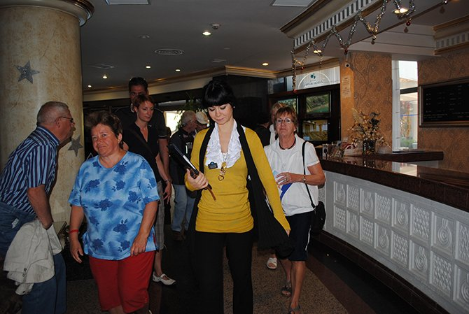 camilerde-turistlere.jpg