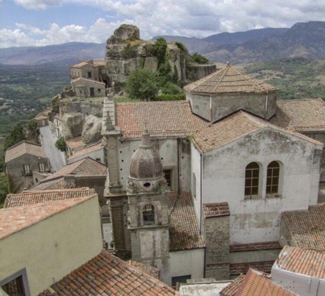 castiglione-di-sicilia-005.jpeg