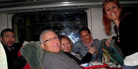 delhi-tren-1.jpg