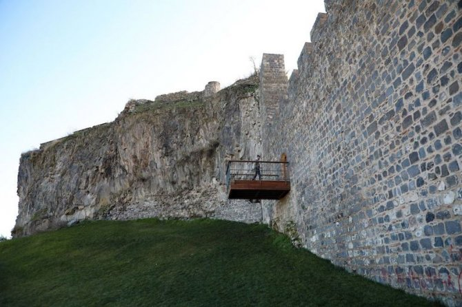 diyarbakir-surlarina-balkon.jpg
