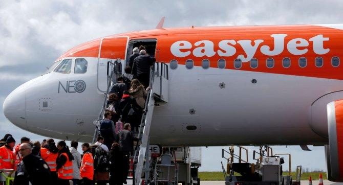 easyjet-004.jpg