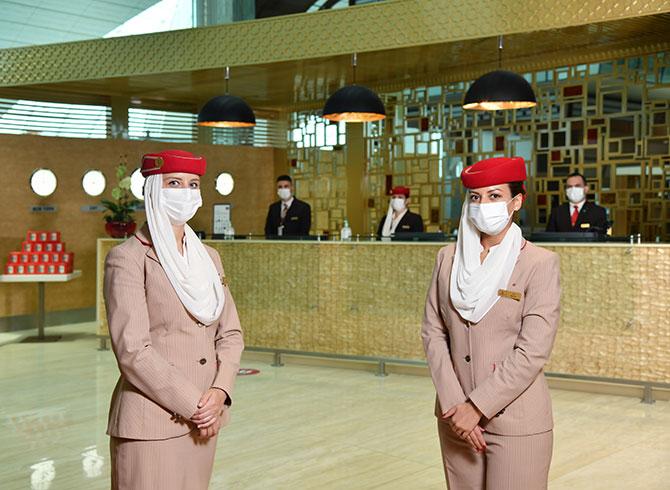 emirates,-ozel-first-class-salonu-001.jpg
