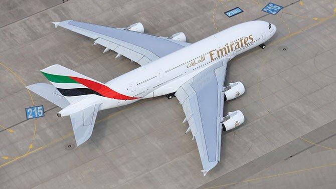 emirates-a380-.jpg