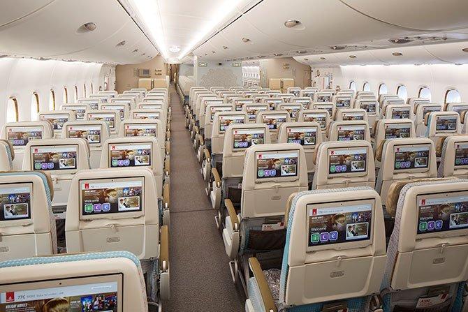 emirates-premium-a38-001.jpg