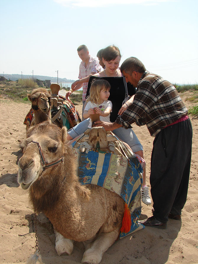 evde-bekleyen-develer,--002.jpg