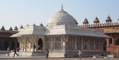 fatehpur-sikri-10.jpg