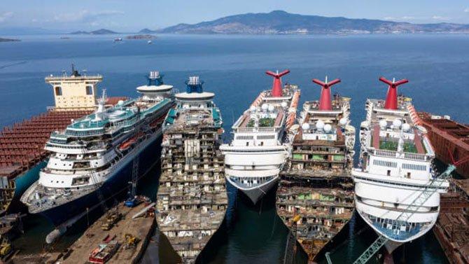 gemiler-parcalaniyor-001.jpg