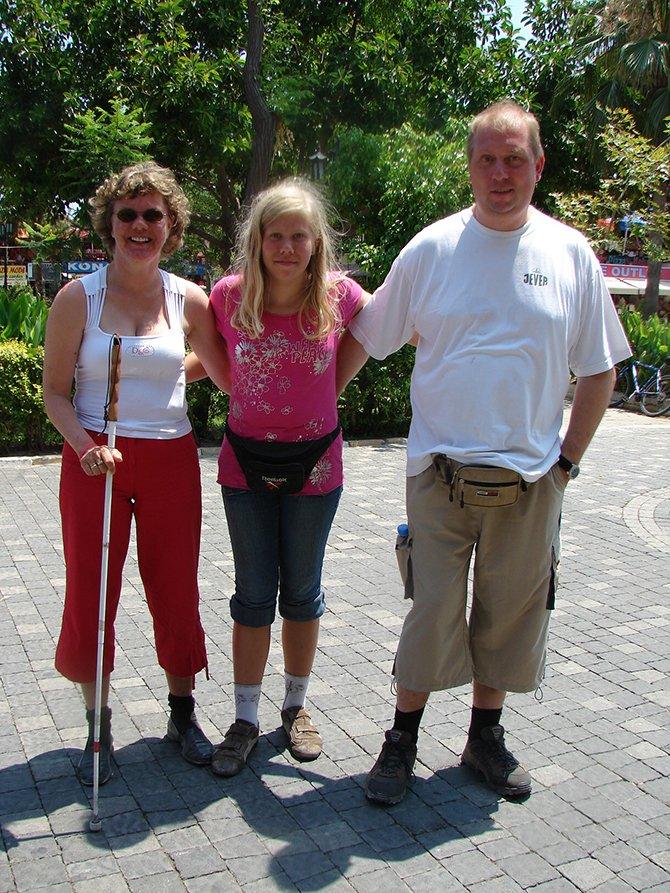 gorme-engelli-turistler,-.JPG