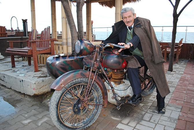 hitler'in-motosikletini--001.jpg
