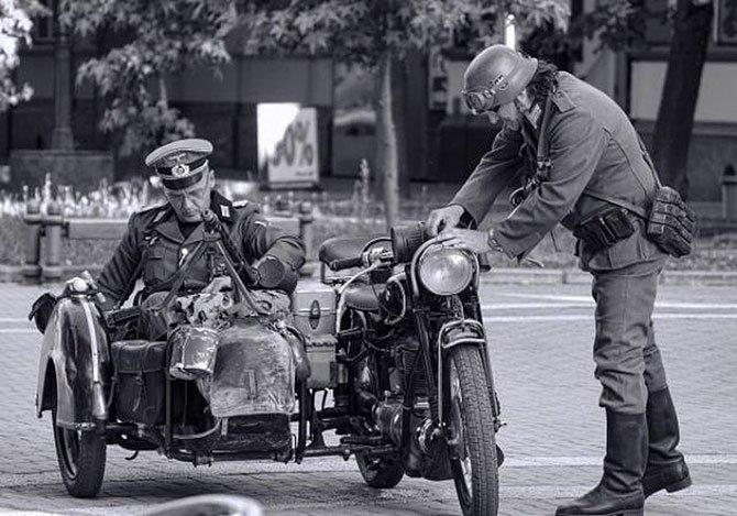 hitler'in-motosikletini-.jpg
