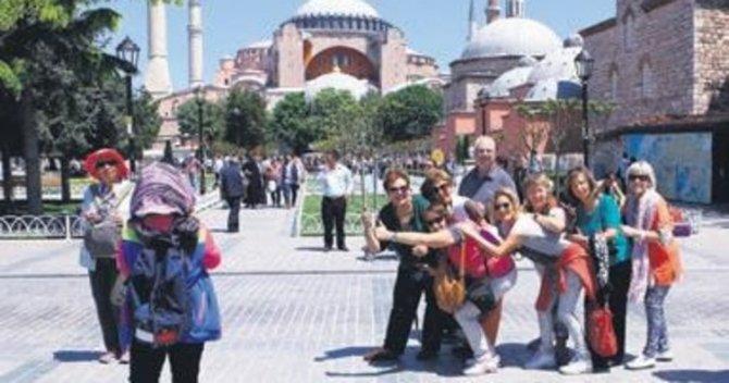 istanbul-turist.jpeg