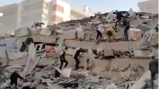 izmir'de-6.6'-deprem!-001.jpg